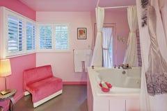 Diseño interior del cuarto de baño lujoso Fotografía de archivo libre de regalías