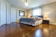 Diseño interior del dormitorio foto de archivo libre de regalías