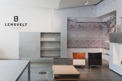 Diseño interior en el espacio de Ventura Lambrate durante la semana de Milan Design Fotografía de archivo