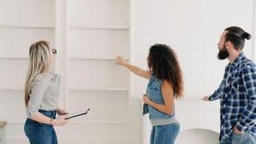 Diseño interior moderno de la casa del agente inmobiliario almacen de video