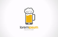Diseño móvil del logotipo del pub del vidrio de cerveza. Creati del café de la barra Imagen de archivo