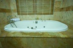 Diseño moderno del cuarto de baño Imagen de archivo