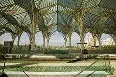 Diseño moderno en una estación de tren, Lisboa de la arquitectura Fotografía de archivo