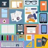 Diseño plano de imagen del espacio y de los objetos de oficina Imágenes de archivo libres de regalías