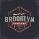 Diseño retro del grunge auténtico de Brooklyn libre illustration