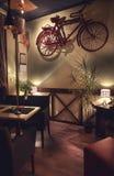 Diseño retro interior del café Fotos de archivo