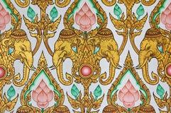 Diseño tailandés tradicional del modelo en wal Foto de archivo libre de regalías