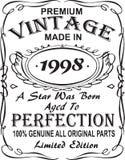 Diseño vectorial de la impresión de la camiseta El vintage superior hizo en 1998 una estrella fue llevado envejeció a la perfecci ilustración del vector