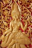 Diseños de madera de oro de la puerta Imágenes de archivo libres de regalías