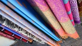 Diseños de seda coloridos de la textura imagen de archivo libre de regalías
