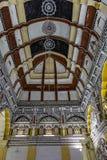 Diseños del extracto del techo en el pasillo de Durbar del palacio de Thanjavur fotos de archivo