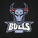 Diseños principales del icono del logotipo del toro con la cadena en el vector del cuello stock de ilustración