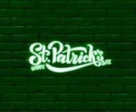 Dise?o irland?s bosquejado mano de la celebraci?n Vector el ejemplo del logotipo feliz del d?a del ` s de St Patrick Letras del f ilustración del vector