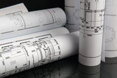 Disegni e modello architettonici di carta Modello di ingegneria immagini stock libere da diritti