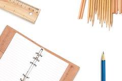 Disegni e strumenti di progettazione con il taccuino di cuoio dell'organizzatore Fotografia Stock Libera da Diritti