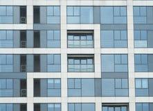 Disegni graziosi degli edifici residenziali Windows Fotografia Stock