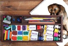 Disegno dell'orso e di Art Supplies Immagine Stock Libera da Diritti