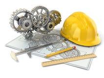 Disegno di ingegneria. Ingranaggio, elmetto protettivo, matita e progetto. Fotografie Stock