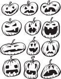 Disegno di lavagna - insieme delle zucche di Halloween illustrazione vettoriale