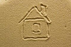 Disegno di una casa sulla sabbia Fotografia Stock