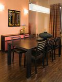 Disegno interno del salone elegante e di lusso. Immagine Stock