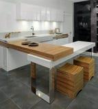 Disegno interno della cucina. Elegante e di lusso. immagini stock