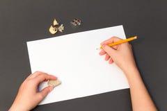 Disegno a matita su uno strato bianco Fotografie Stock
