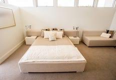 Disegno moderno della camera da letto fotografia stock