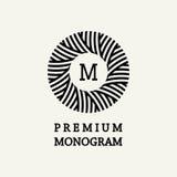 Diseño floral elegante y agraciado del monograma Imagen de archivo