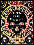 Diseño gráfico de la camiseta de Eagle Poster Man del vintage de Nueva York del cráneo Foto de archivo
