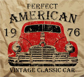 Diseño gráfico del coche del vintage de la camiseta retra clásica americana vieja del hombre Foto de archivo