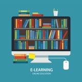 Diseño plano de la biblioteca del concepto en línea de la educación Foto de archivo