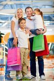 Disfrutar de hacer compras Imagen de archivo libre de regalías