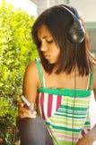 Disfrutar de música Fotografía de archivo libre de regalías