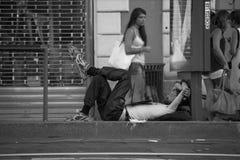 Disfrute de la libertad en la calle fotografía de archivo