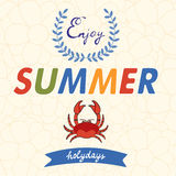 Disfrute de la tipografía del vector del verano con el cangrejo en floral Imagen de archivo libre de regalías