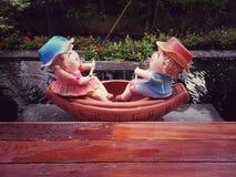 disfrute del canotaje por la tarde Imagenes de archivo