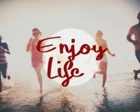 Disfrute del concepto de la felicidad de la satisfacción del placer de la vida imagen de archivo