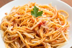 Spaghetti with tomato and cheese Royalty Free Stock Image