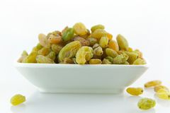 A dish of raisins Stock Photography
