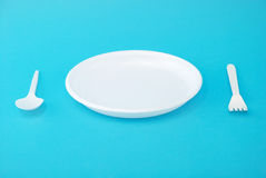 dishes устранимая белизна ложки вилки Стоковая Фотография