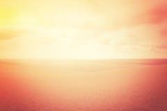 Disiga sanddyn i rött glöd Arkivfoto