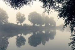 Disigt flodlandskap Royaltyfri Foto