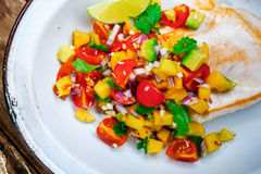 Disintossicazione spontanea con insalata variopinta Fotografie Stock Libere da Diritti