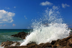 Disjuntores tormentosos do oceano Foto de Stock