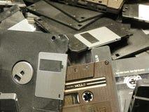 Diskettdisketter och en TDK bandkassett Arkivfoto
