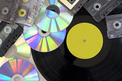 Diskette der Retro-, Vinylaufzeichnung, Audiokassette und CD Lizenzfreies Stockbild