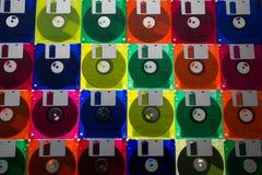 Disketten 3/2 Ikone von 90s und von vintege Technologie lizenzfreies stockbild
