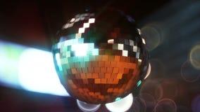 Diskoboll i neonljusen av staden I ultra HD 4k Kretsa videoen vektor illustrationer