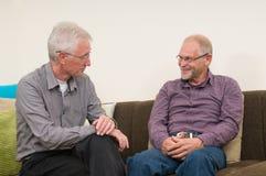 diskutera pensionärer Royaltyfri Bild